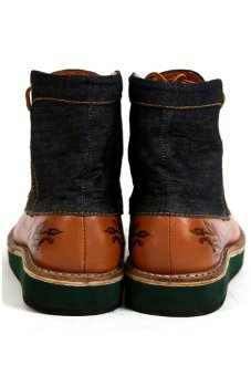 Trove Footwear Chromium Beta - Hitam