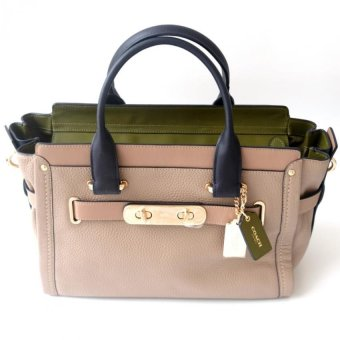 Coach Swagger 32 in Pebble Leather - Stone