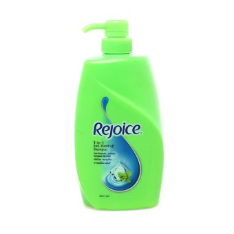 Rejoice 3 in 1 Anti Dandruff Shampoo 900 ml