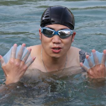 Silicone Hand glove for Swimming Gear (Size:M) (Intl)