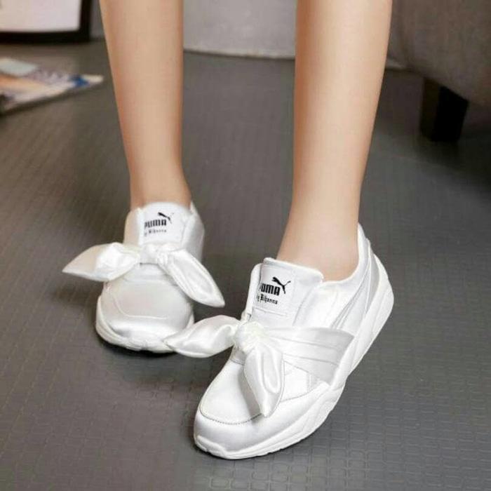 Sepatu Sekolah Sepatu Jalan Jalan Sepatu Kets Puma Fenty Putih