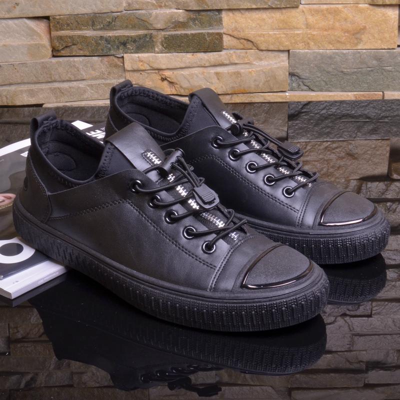 2018 model baru Pria casual sepatu sneaker Kulit sepatu kasual musim semi sepatu pria hitam Gaya