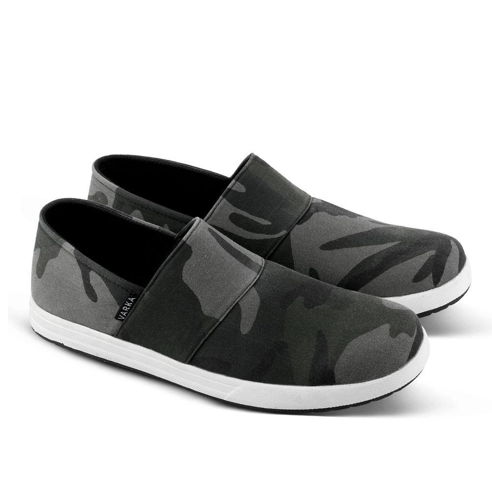 Fitur Sepatu Casual Sneakers Pria Main Jalan Kuliah Santai Dan Harga Carvil Sandal Sponge Men Gildan M Black Grey Abu Tua 39 Slipon 001 Kets Kasual Bisa Untuk Sekolah Kerja