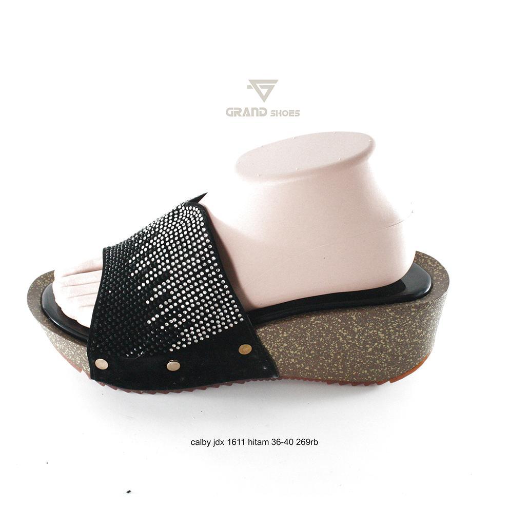 Detail Gambar sandal wedges wanita calbi jdx 1611 hitam murah original  Terbaru 5ddbb1f935