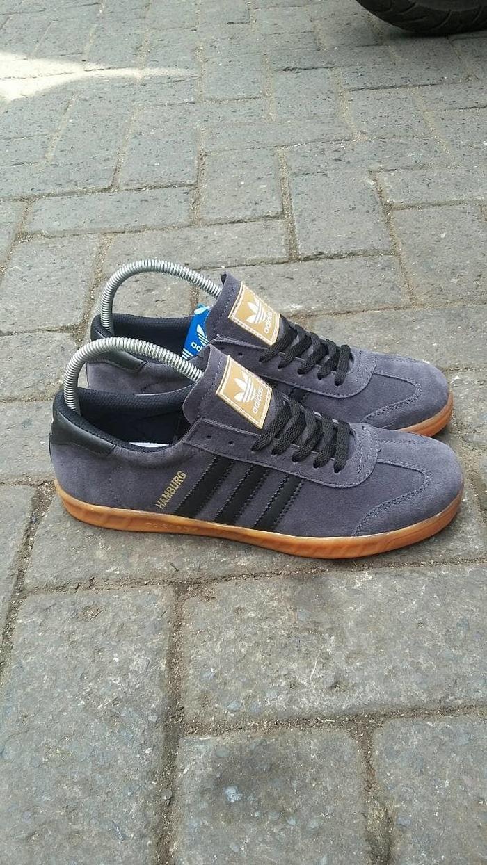Fitur Sepatu Adidas Hamburg Pria Sneakers Kets Sekolah Drtrag Dan ... fc29134352