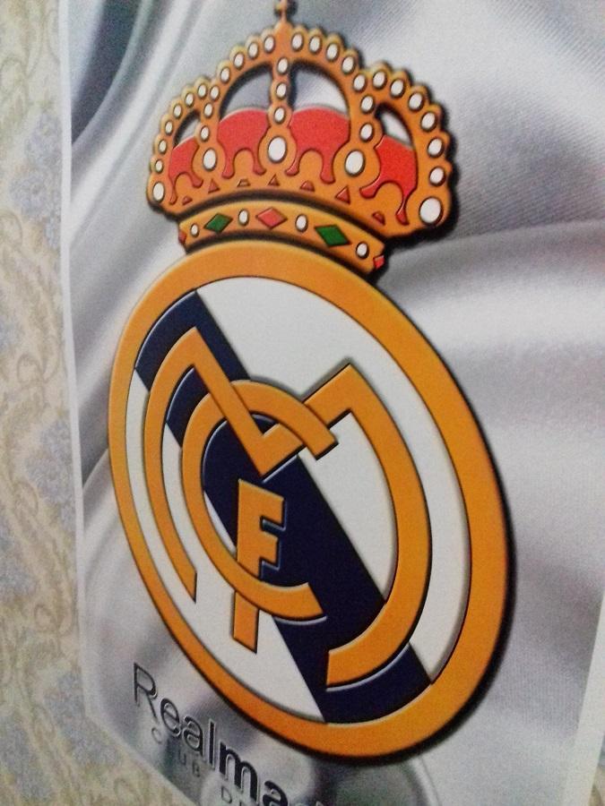 Detail Gambar Poster Jumbo Real Madrid ( 70 cm x 50 cm) Terbaru