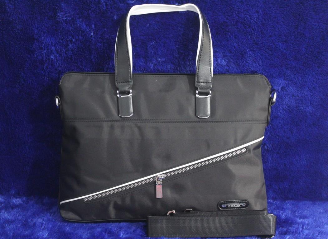 Tas Laptop PRADA 009-358 .