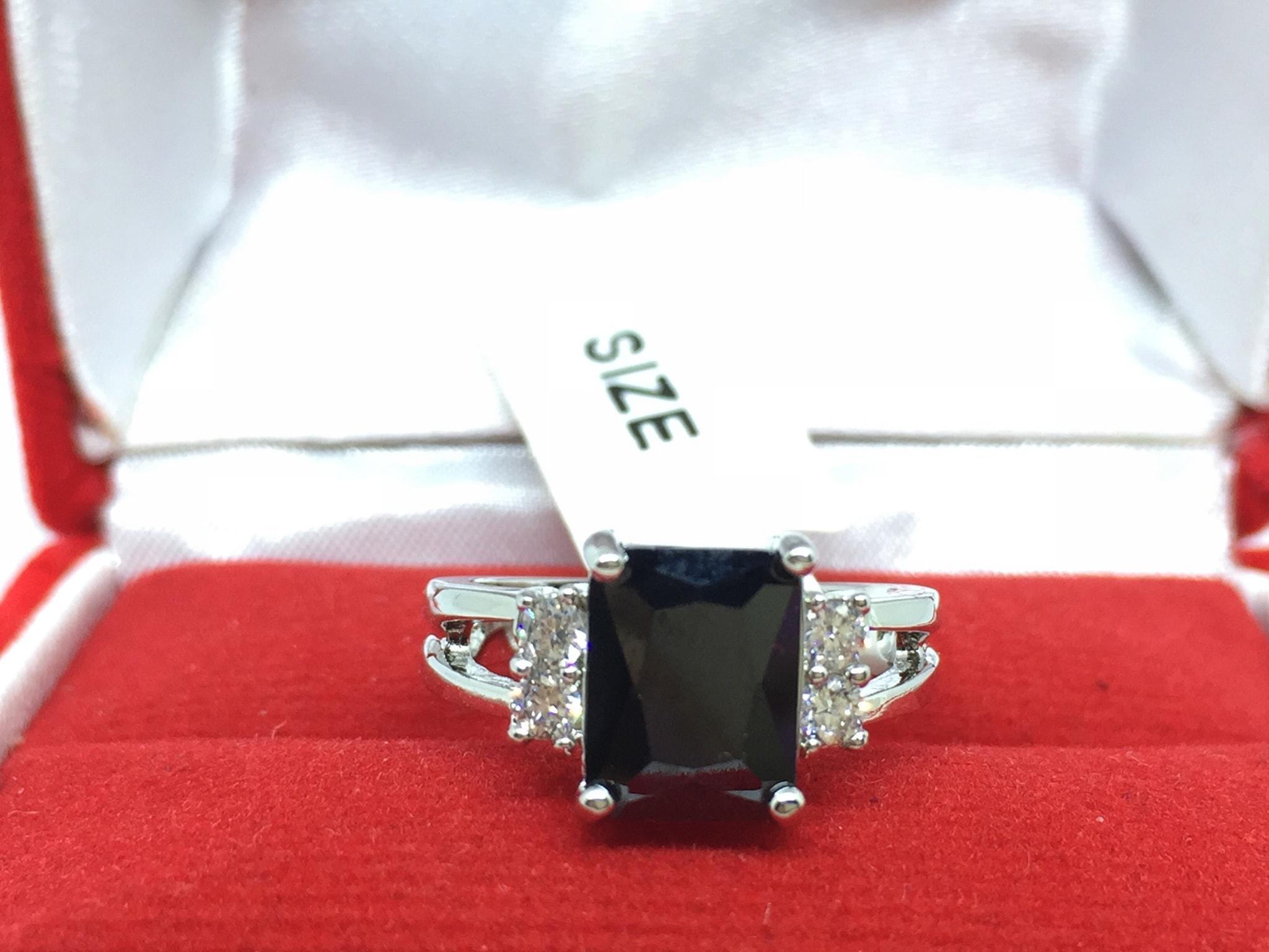 NEW Promo Perhiasan Cincin Batu Hitam Silver Lapis Platinum Kotak Persegi Imitasi BR036B Murah