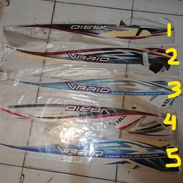 Striping Lis&Stiker Body&Stiker Motor Vario 2011