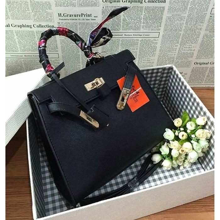 Hermes Kelly Taiga Large Black
