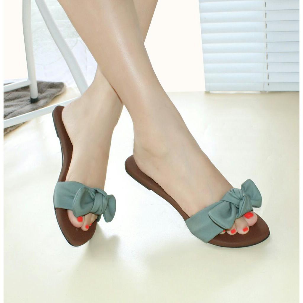 Sandal Flat Pita Wanita SV04 - Abu