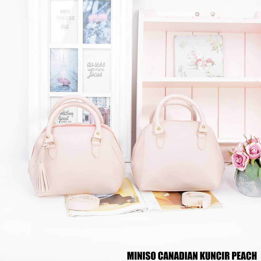 Kelebihan Harga Spesial Tas Minishow Serut Kuncir Sling Bag Model Hand Organizer Tangan Pria Wanita Miniso Canadian Peach