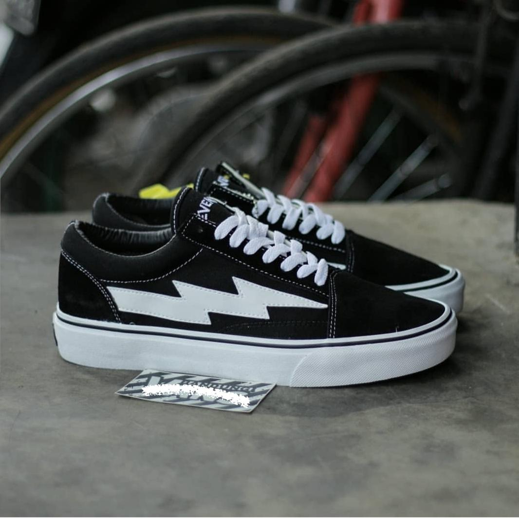Eleven Sneakers Petir Skateboarding   fashion pria   sepatu pria   flat  shoes   flatshoes   80aed135e8