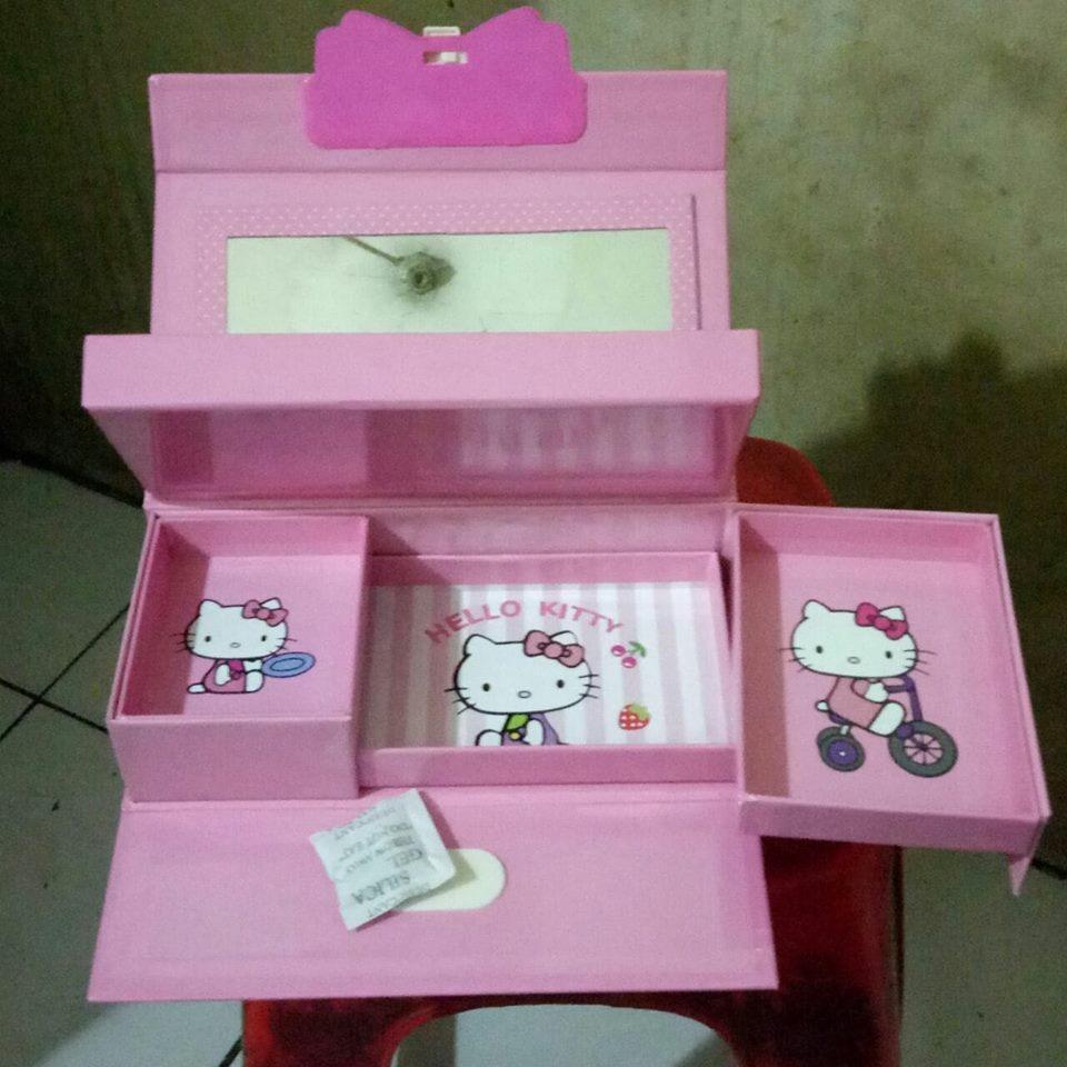 Kotak Pensil/ Tempat Pensil Kode Karakter CEWEK HELLO KITTY
