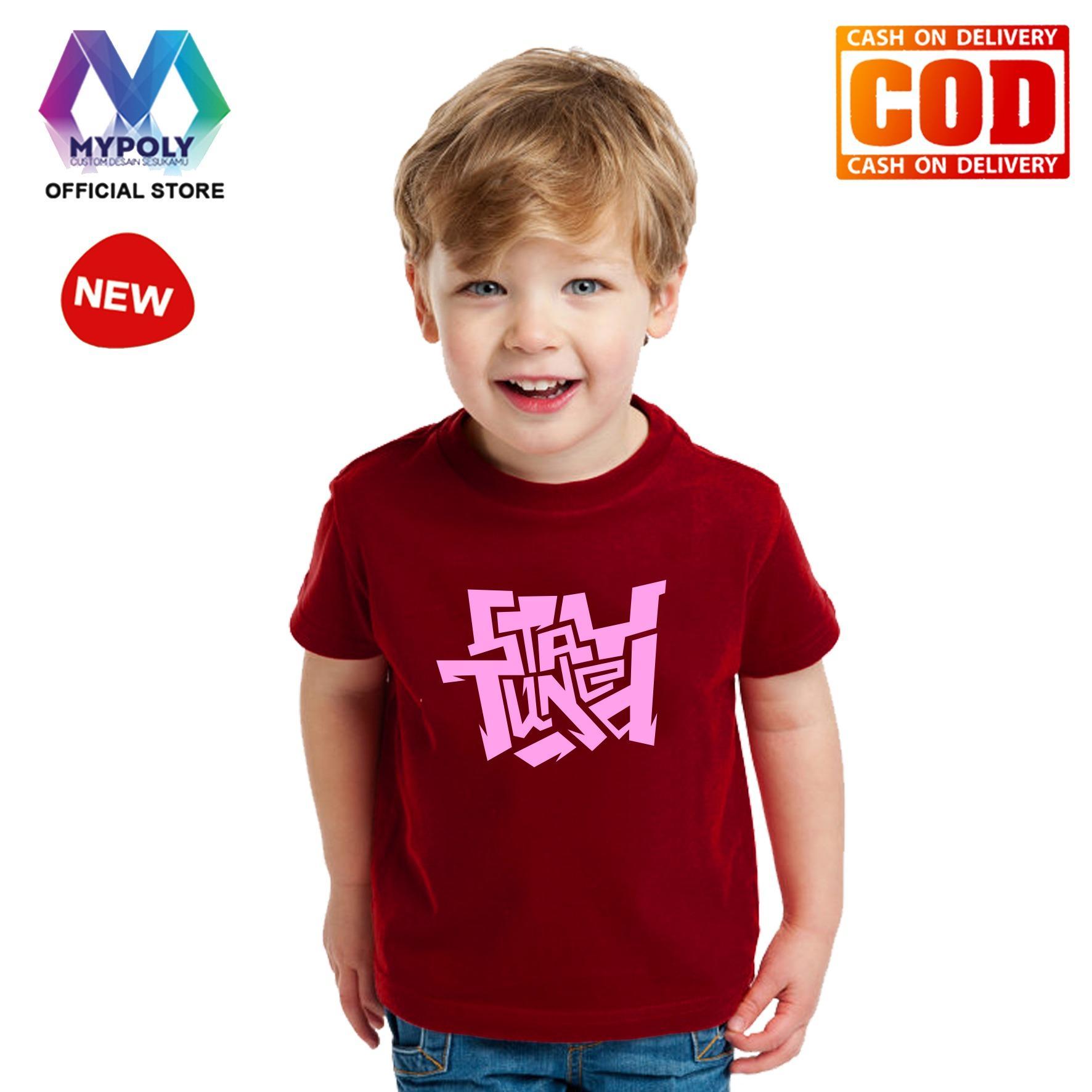 Kaos Premium Mypoly Anak Pria laki-laki AP / Baju Couple Family Keluarga / Tshirt distro / Fashion atasan / Kaos Anime / Kaos Animasi / Kaos Super Hero / Kaos Kartun / Kaos Cartoon / Kaos Lucu / Kaos Gambar Karakter / Kaos Anak Stay Tuned
