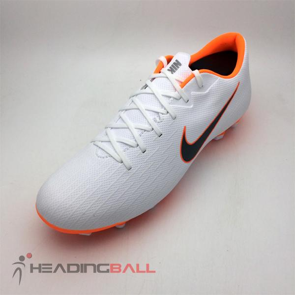 Fitur Sepatu Bola Nike Phantom Original Vsn Club Df Mg Team Red ... 14d9fb3397