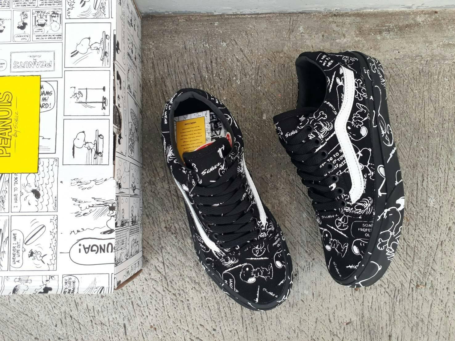 895c87d376 sepatu pria vans old skool (PEANUTS) snoopy black waffle ICC premium BNIB  made