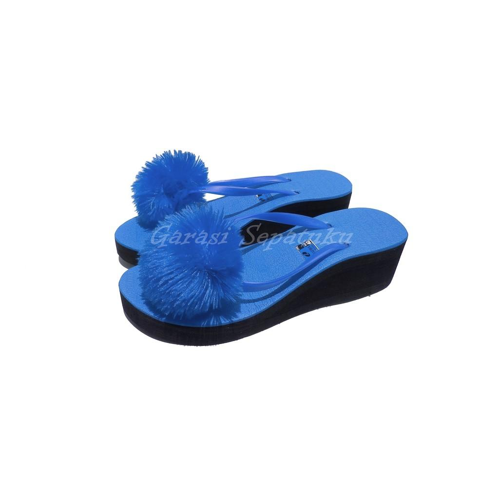 WEDGES POMPOM SHAFIRA BIRU