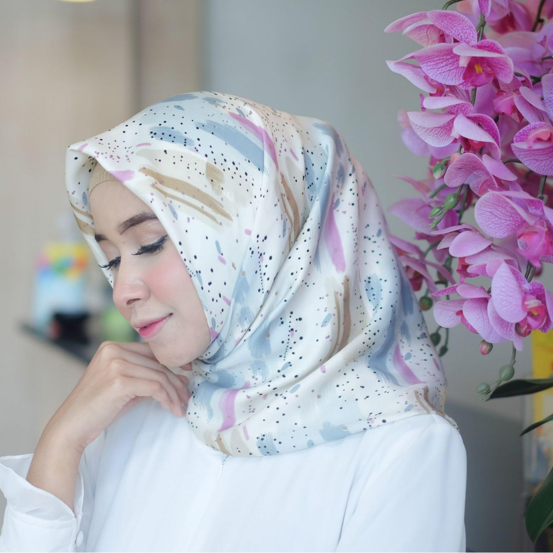Hijab - Kerudung Segi Empat - Velvet Silk - Khanza / Jilbab