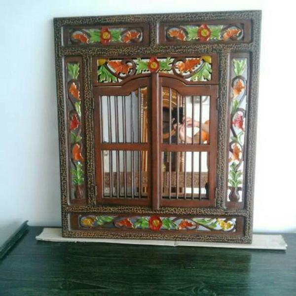 Dekorasi Dinding Krepyak Model Jendela Ukir Kayu Jati Plus Kaca Cermin