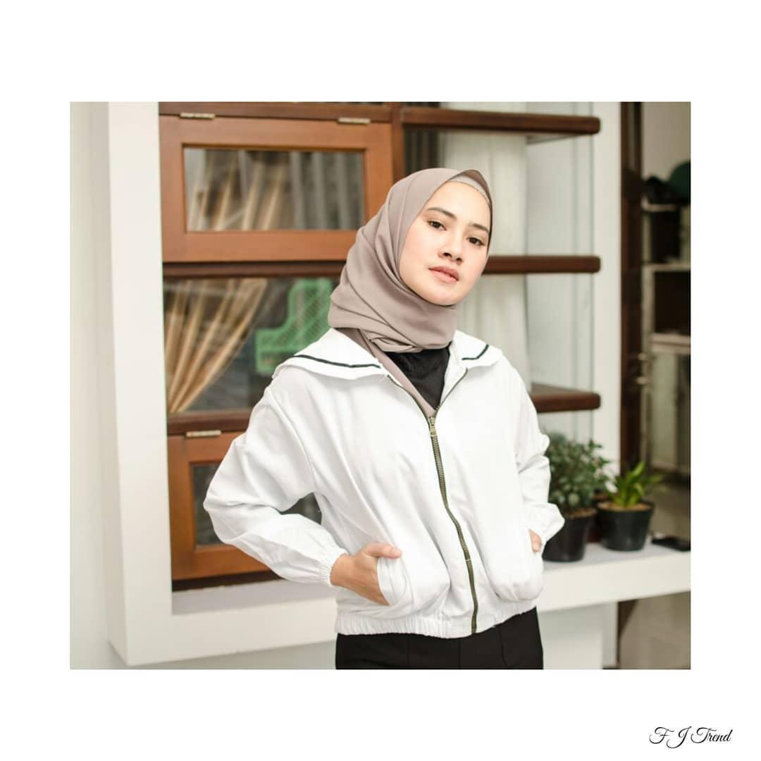 Stussy Usa Loekita Grosir Jaket Sweater Baju Atasan Blouse Rajut ... 2b628ee4d6