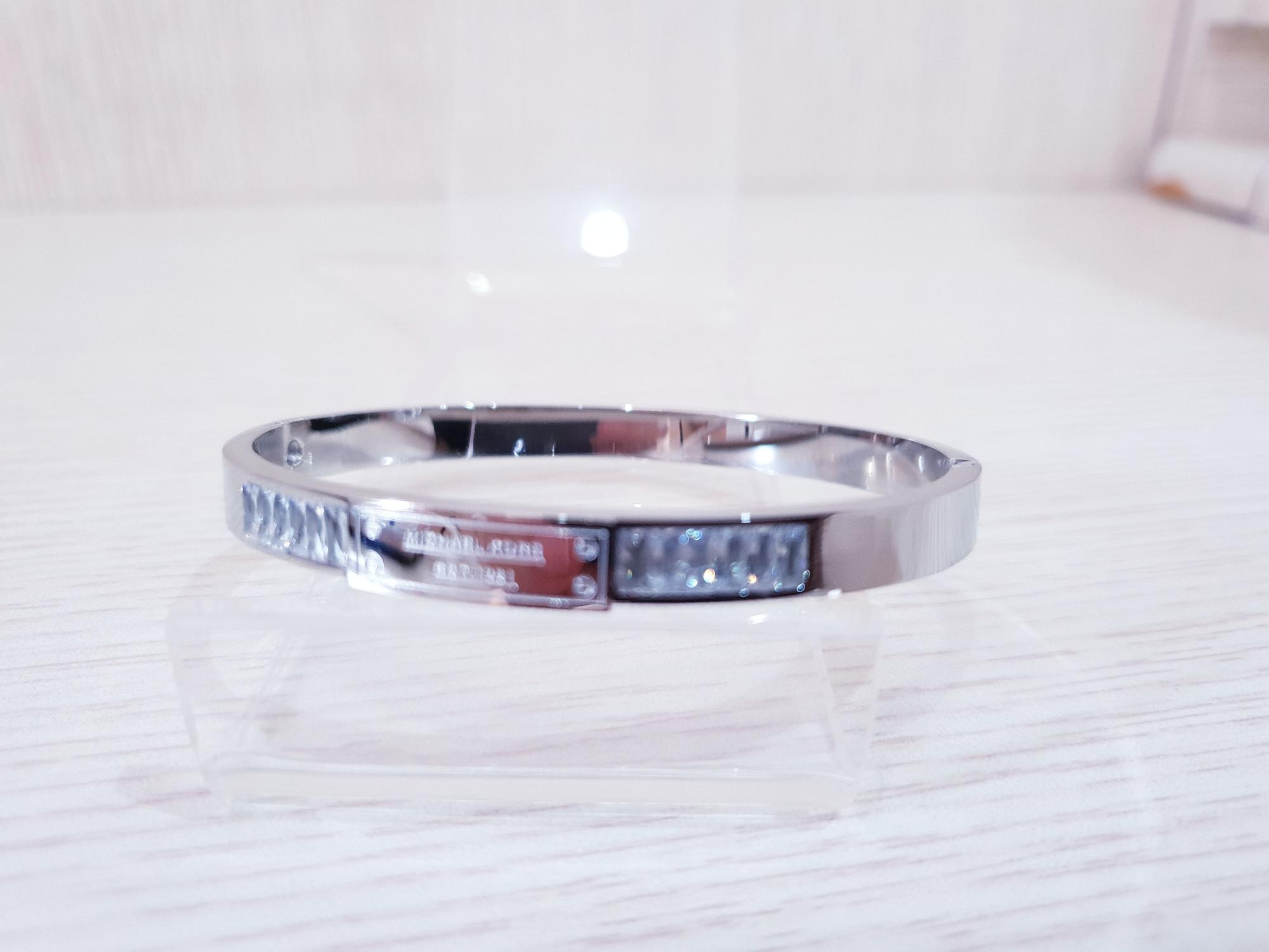 Gelang titanium.zircon 1022/Bangle Titanium wanita