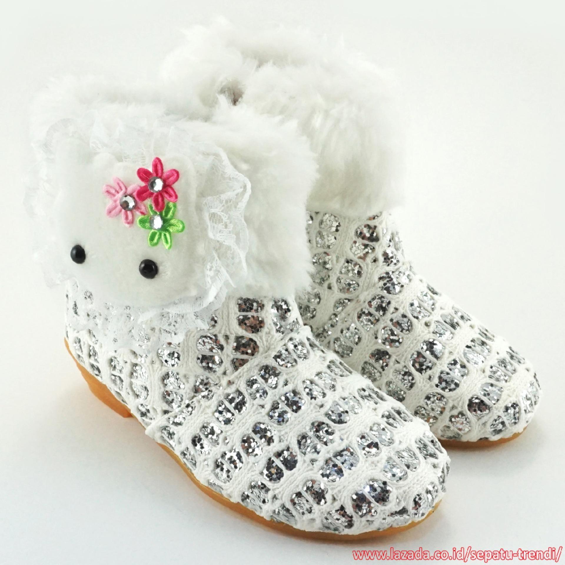 Harga Trendishoes Sepatu Boot Anak Perempuan Knit Glitter Boneka Bulu Silver Putih Terbaik