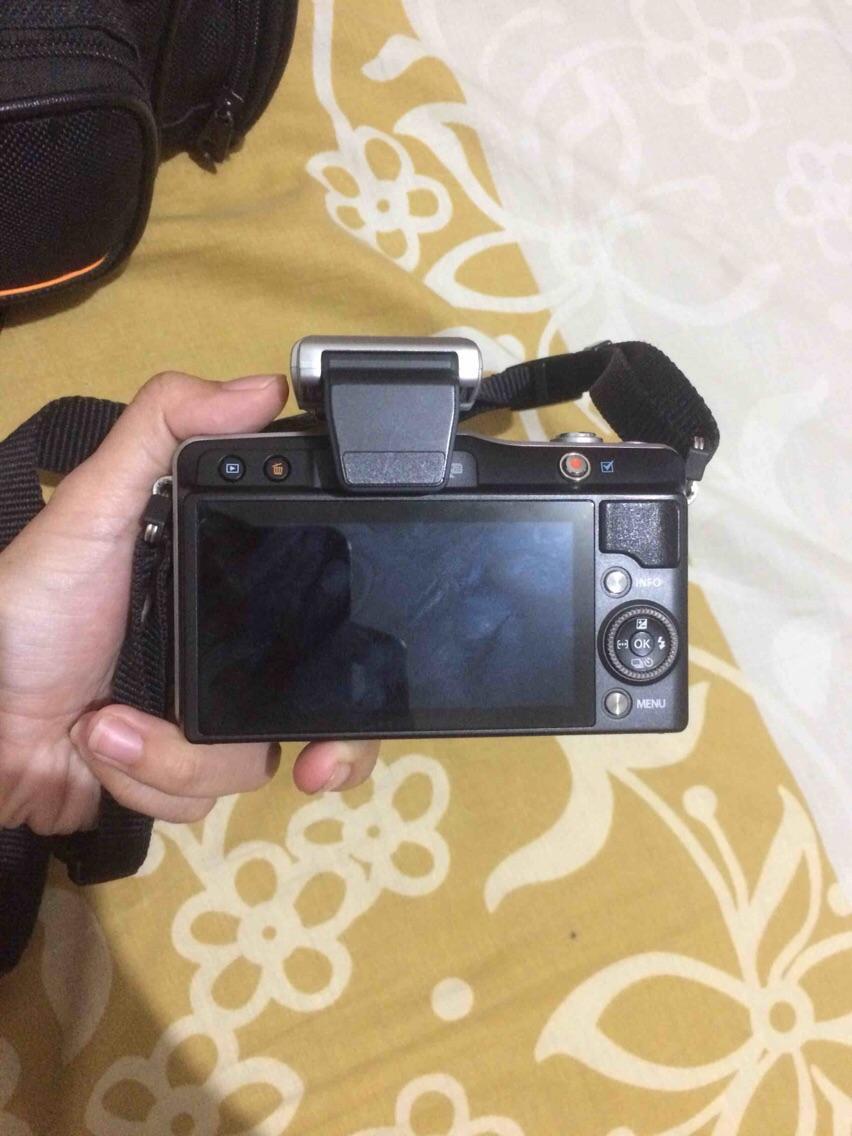 Kelebihan Olympus 17mm F2 8 M Zuiko Digital Lensa Camera Silver Mzuiko 75 300mm F48 67 Ii Black Mini E Pm2