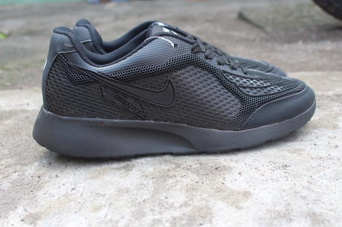 Detail Gambar Sepatu sekolah anak laki-laki perempuan hitam polos / Sneakers casual Pria Wanita Cowok cewek Murah Terbaru