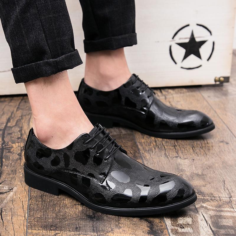 Yuzi 2018 Musim Semi Musim Panas Baru Pria Modis Cetak Kulit Sepatu Kasual Pria Renda Atas Ujung Lancip Kenyamanan Pesta Sepatu Derby karir Pekerjaan Sepatu