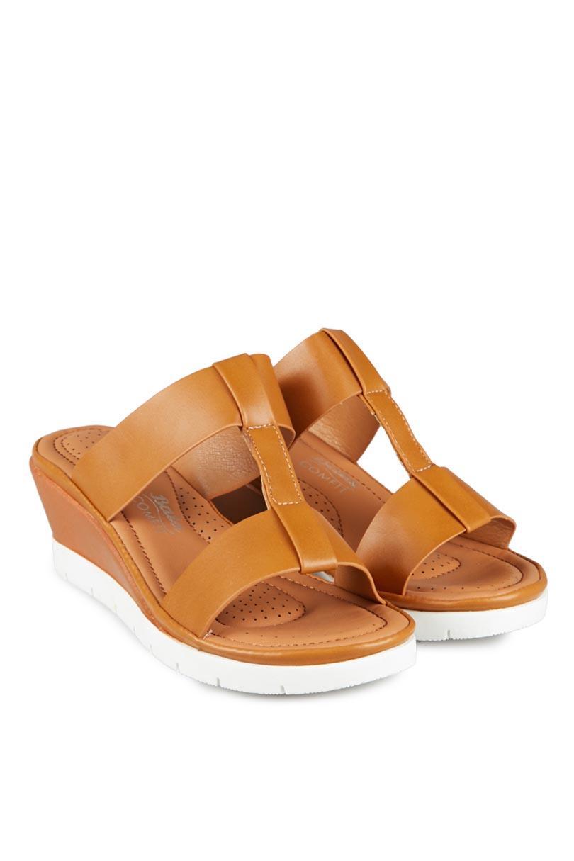 Bata Sandal Wedges Fashion Wanita Cynth Camel