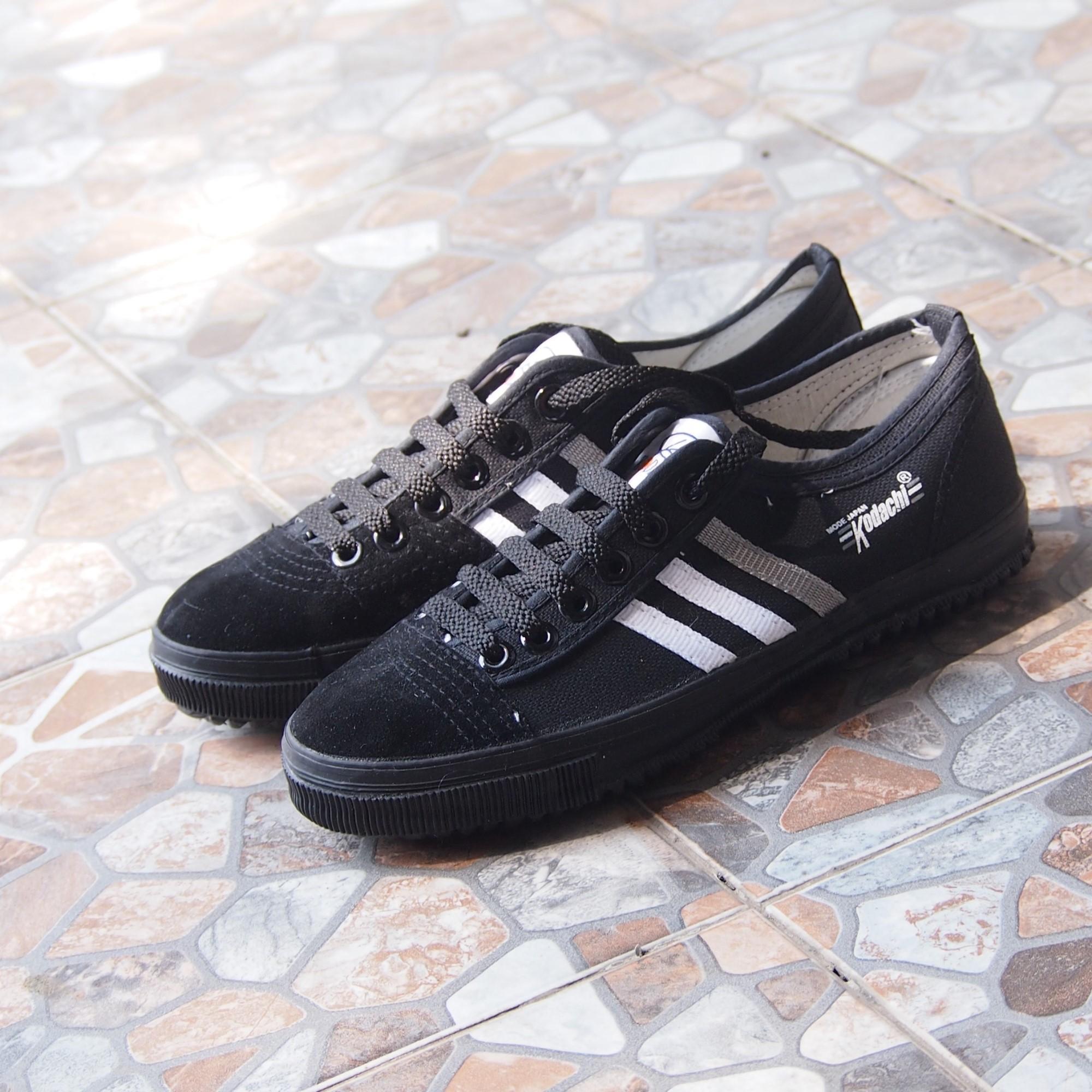 Sepatu Kodachi GH-8111 - Sepatu Olahraga Import Stripe Hitam