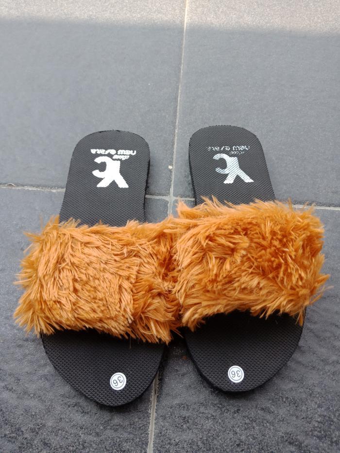 Sandal Spon Bulu Kokop