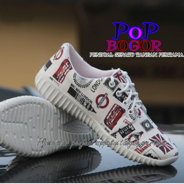 POP Sepatu Kets Wanita dan Pria Motif Koran Hitam Putih/ Sepatu Snekaers
