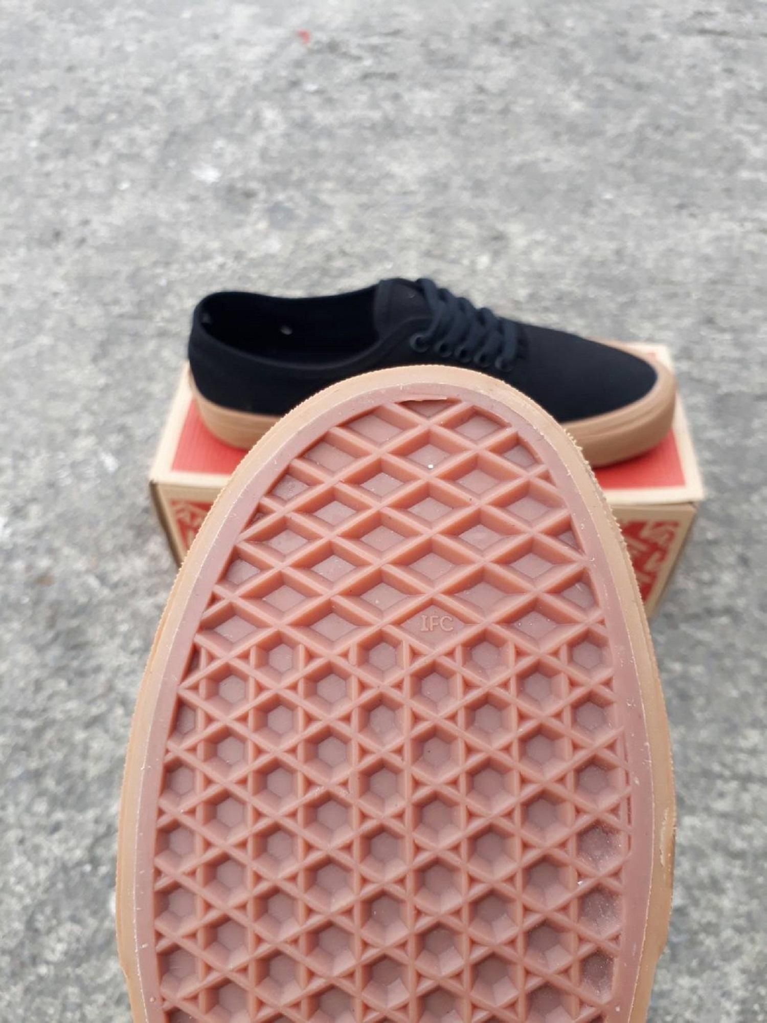 Sepatu Vans Authentic Maroon Gum Wafle Ifc - Daftar Harga Terlengkap ... f2e10b9ce4