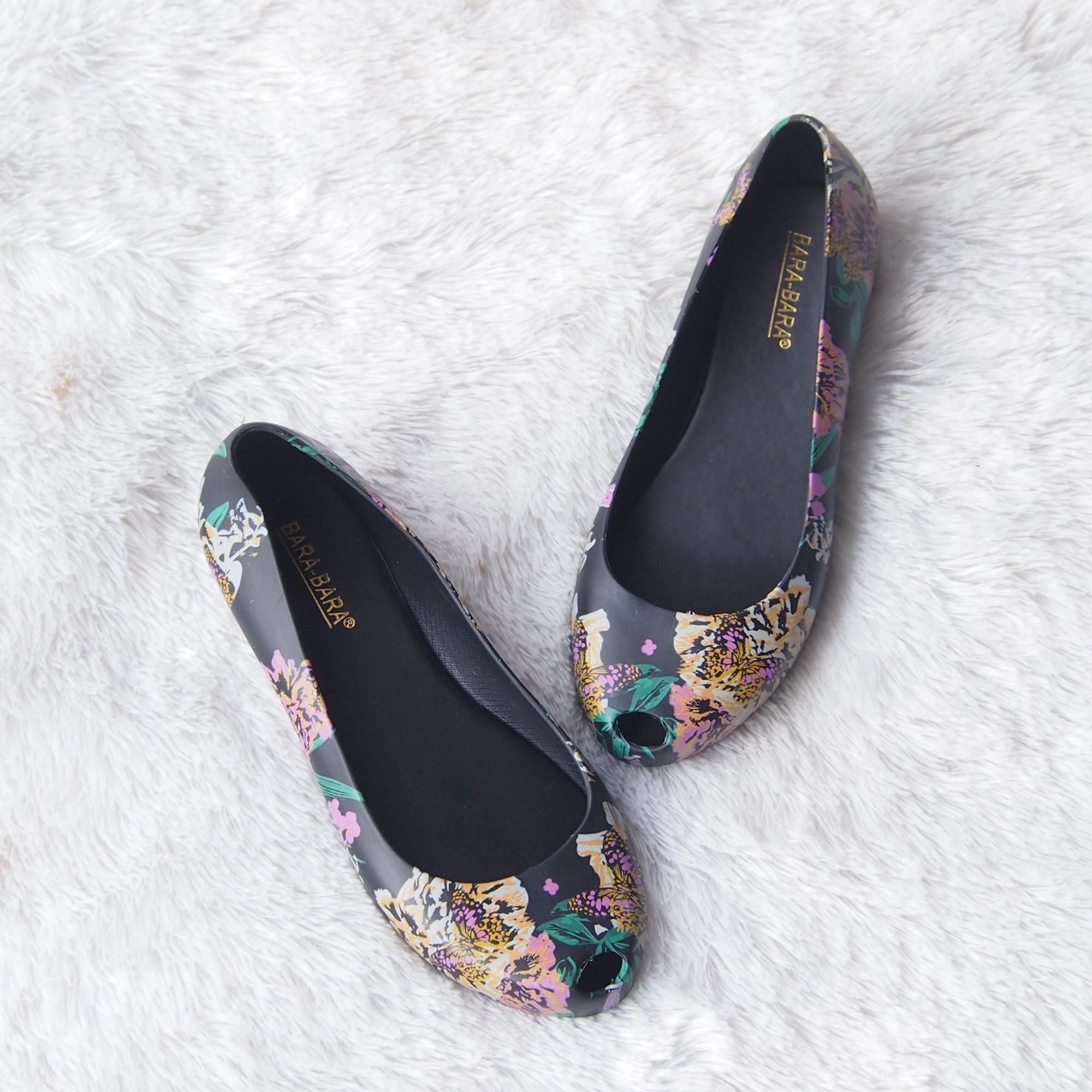 Bara Bara - Flatshoes Jelly Wanita Motif Bunga Terbaru 1838MSB Warna Dikirim Random
