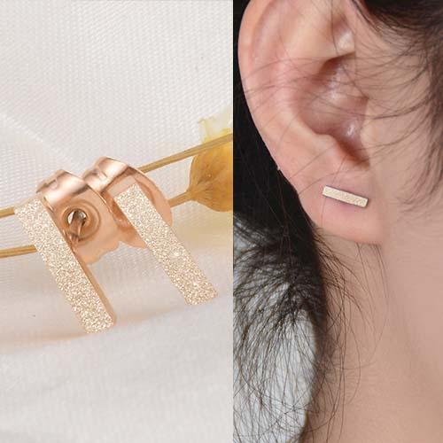 Anting  Titanium Steel  Rose Gold Plated 18K Strip Sparkle Earrings NOV022