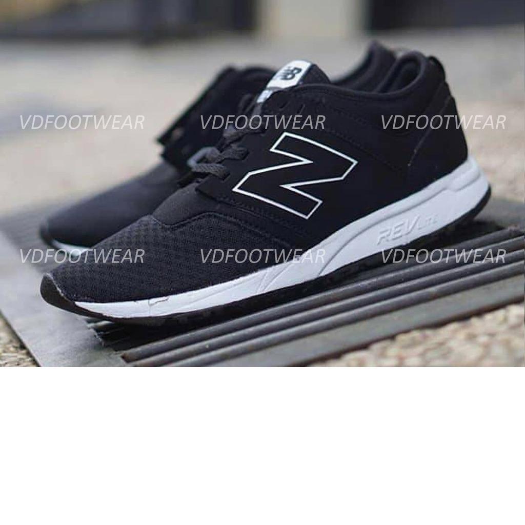 Sepatu New Balance / Sneakers casual Pria Slop Running black