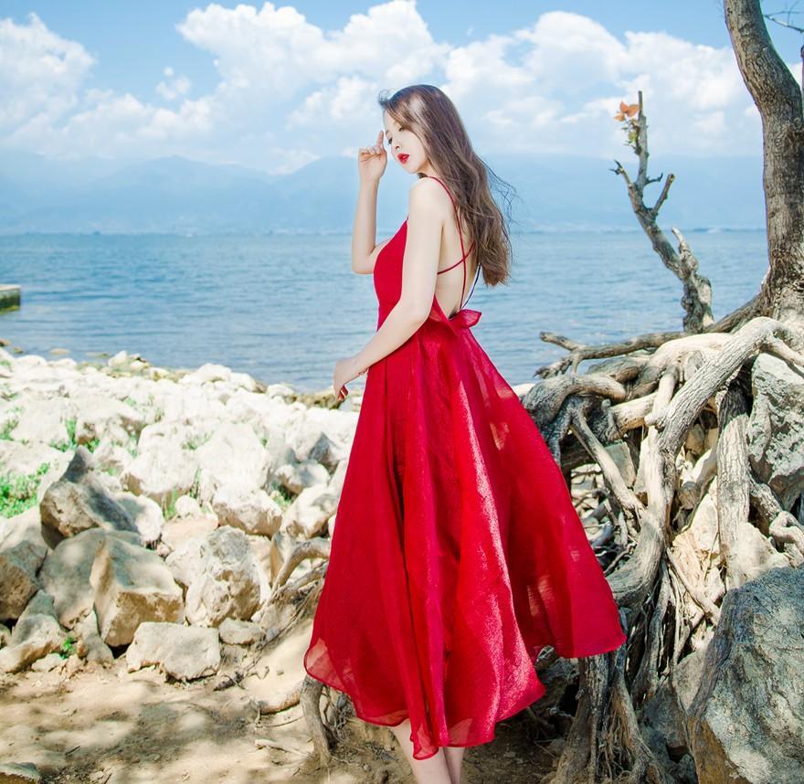 Warna merah baju terusan musim panas perempuan 2018 model baru Xiaoxinji kebocoran kembali seksi tank top