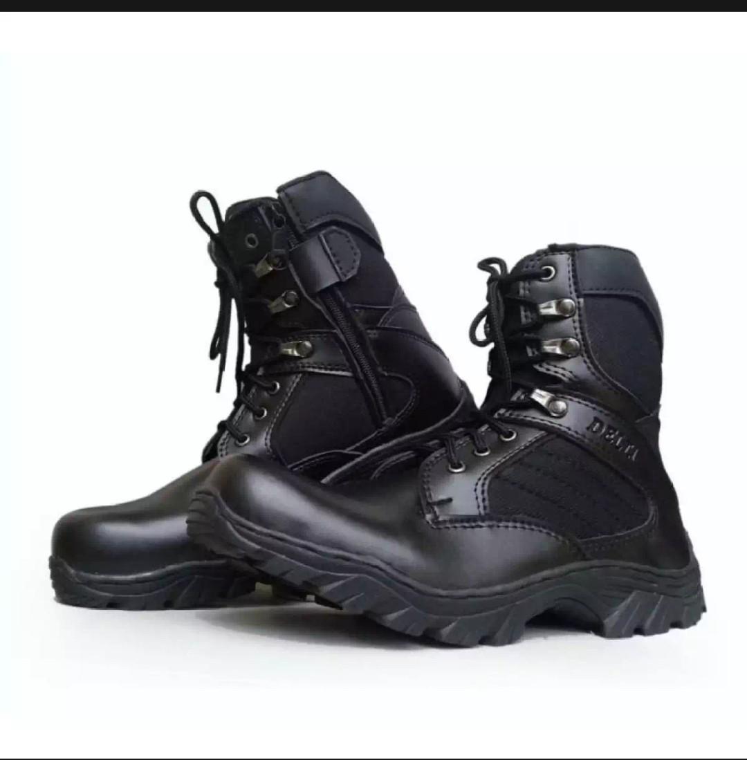 Sepatu Delta Hitam 8 inchi