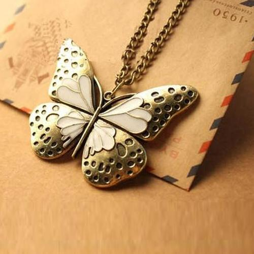 OILA  Kalung Kupu-Kupu Retro / Retro Hollow Butterfly Necklace JKA026