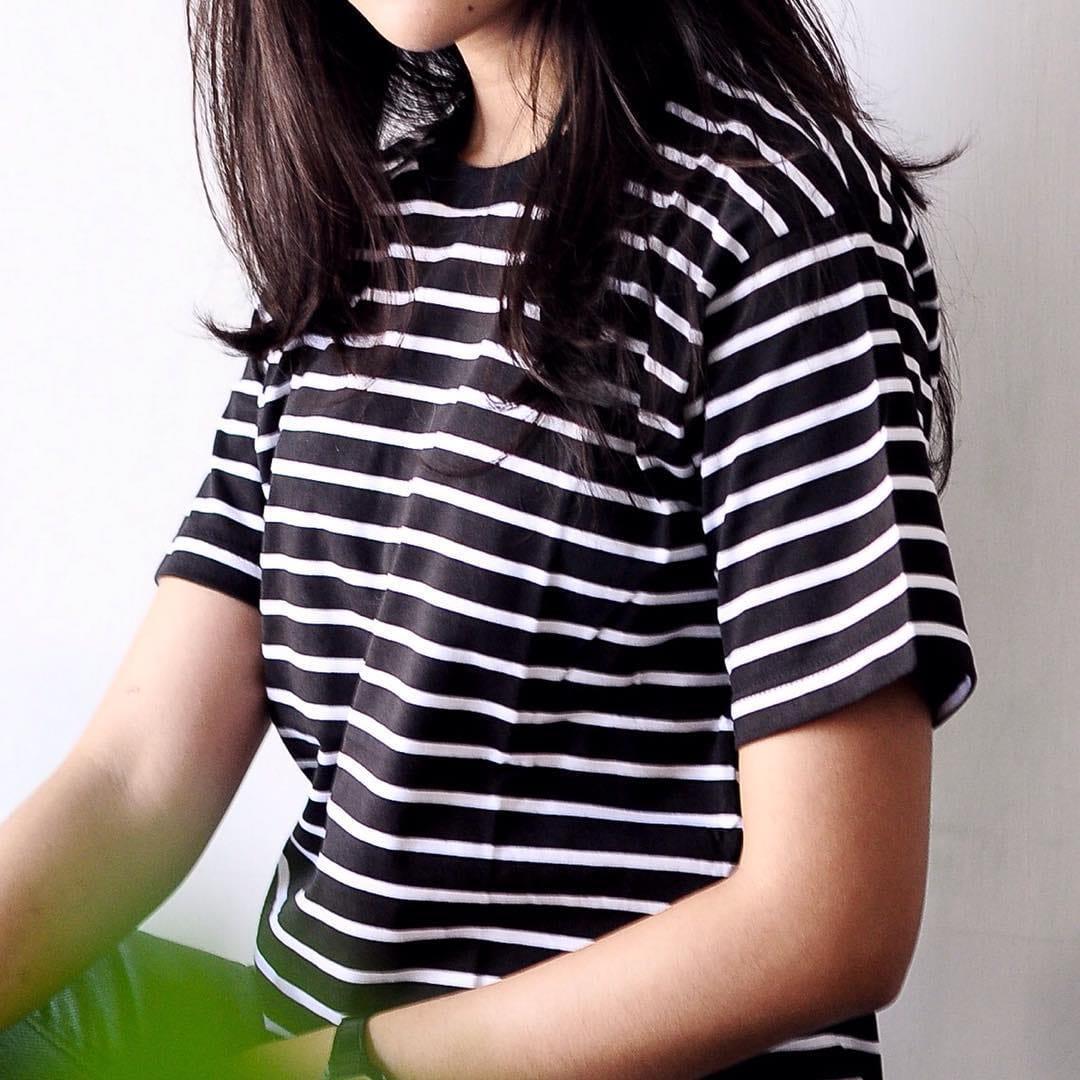 Kelebihan Kaos Polos Seri Stripe Garis Warna Medium Terkini Big Black Baju Strip Lengan Pendek Salur