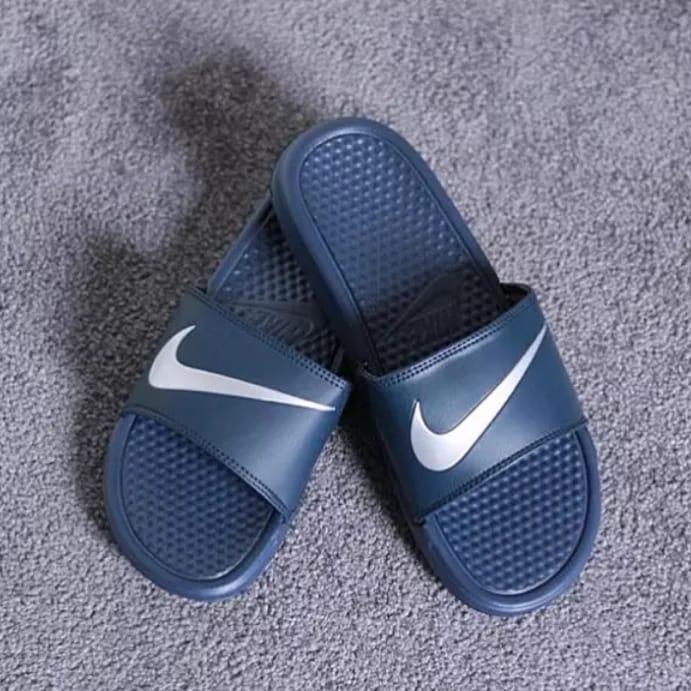 Spesifikasi Jual Sendal Pria Nike Benassi Swoosh Slippers Men Paling Bagus