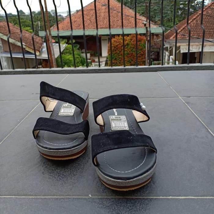 Sandal Wedges Wanita Murah Model Terbaru JH124 Hitam - 3 .
