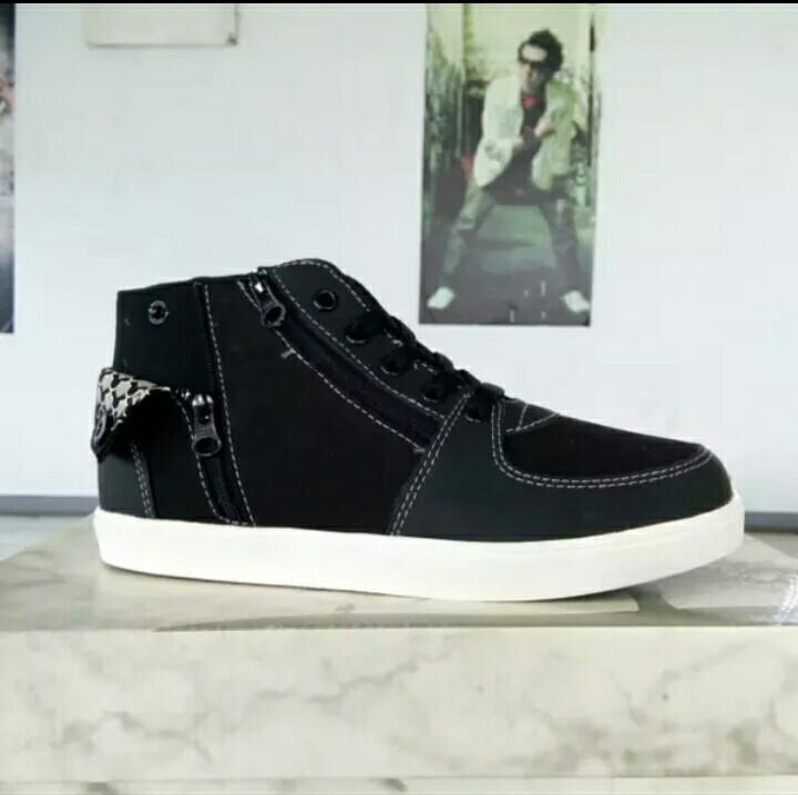 Sepatu tomkins remaja sully black/wht