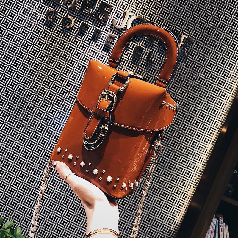 ... Tas Bahu Kulit Paten Perempuan Tas Selempang Korea Fashion Style Paku  Keling - 3 b03e639428