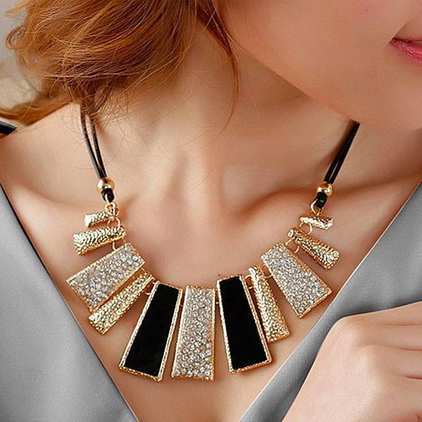BebMen Gothic Diamante Kalung Wanita Hollow Women Lady Necklace Jewelry SJ014