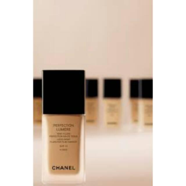 Chanel perfection lumiere foundation b30
