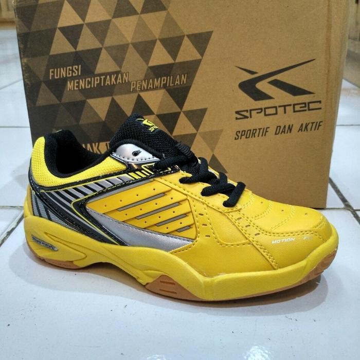 Fitur Sepatu Badminton Anak Spotec Bravia Jr 32 Sd 36 35cca9 Dan ... bece803c19