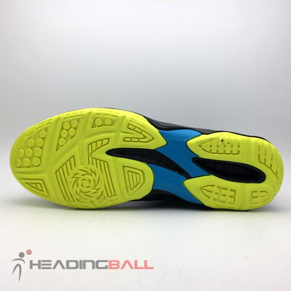 Sepatu Voli Mizuno V1ga177047 Thunder Blade Ombre Blue Safety Yellow ... 8f45fb7db8